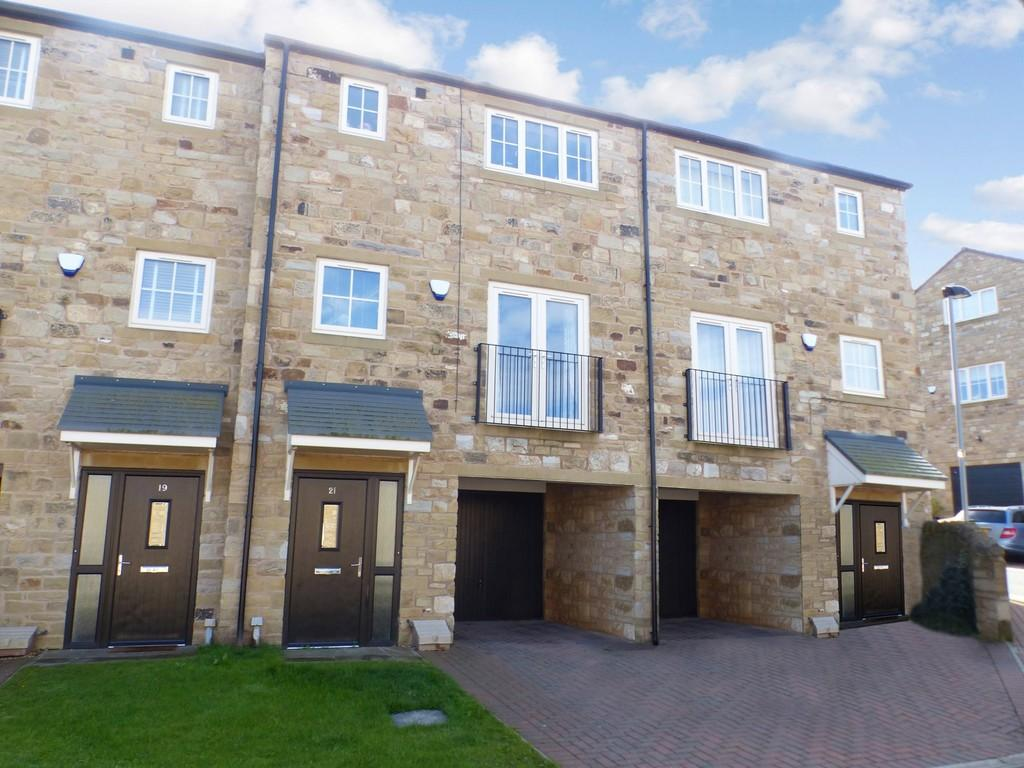 3 Bedrooms Town House for sale in Jacobs Lane, Haworth