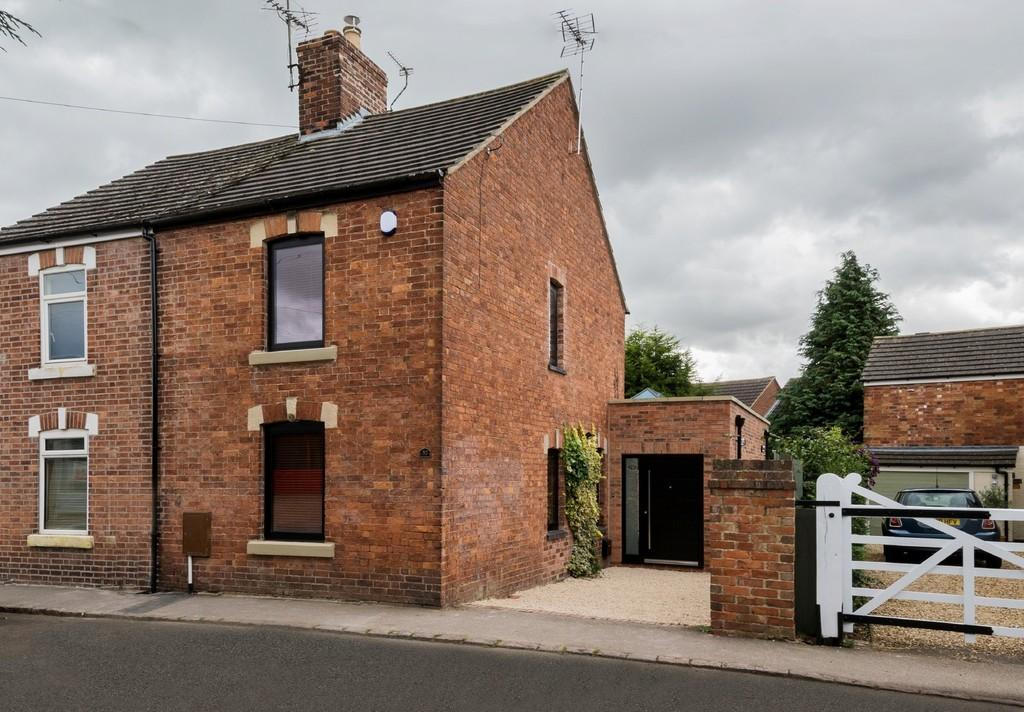 3 Bedrooms Semi Detached House for sale in Braunston Road, Oakham