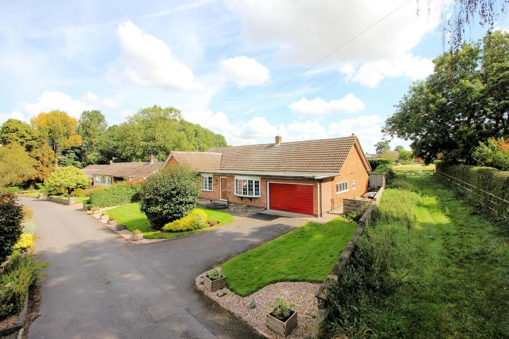 4 Bedrooms Detached Bungalow for sale in Hall Drive, Burton-on-the-wolds