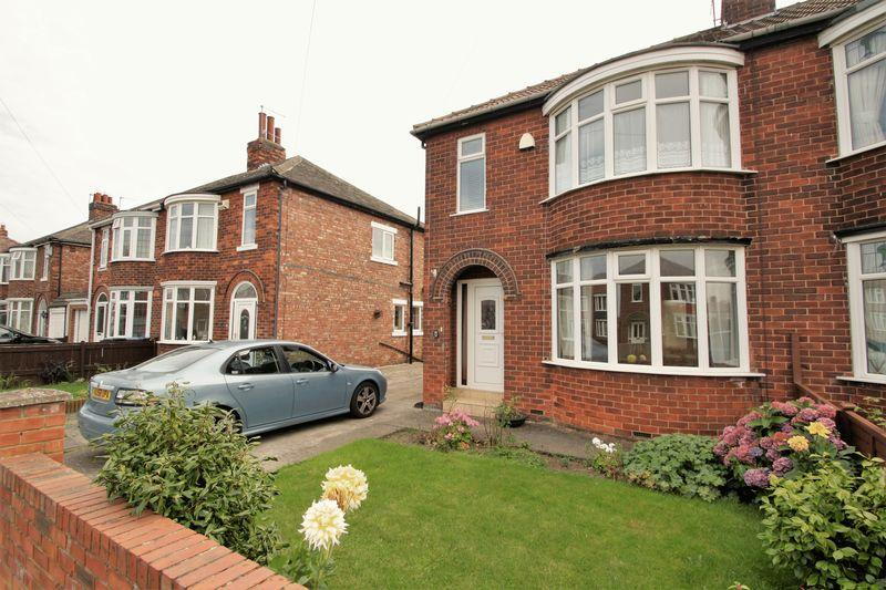 3 Bedrooms Semi Detached House for sale in Ullswater Avenue, Acklam, Middlesbrough, TS5 7DW