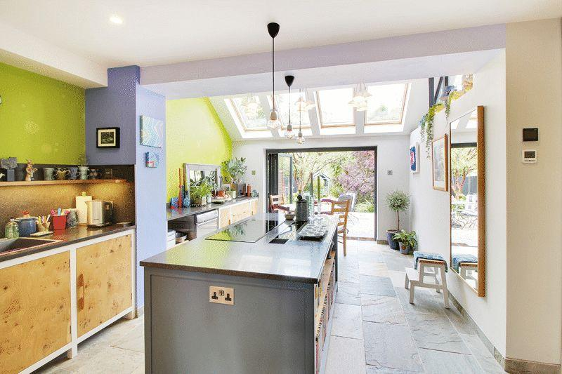 3 Bedrooms Terraced House for sale in Church Road, Mannings Heath