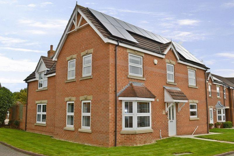 4 Bedrooms Detached House for sale in Buck Close, Lincoln