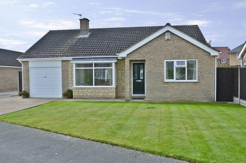 3 Bedrooms Detached Bungalow for sale in Hebden Moor Way, NORTH HYKEHAM