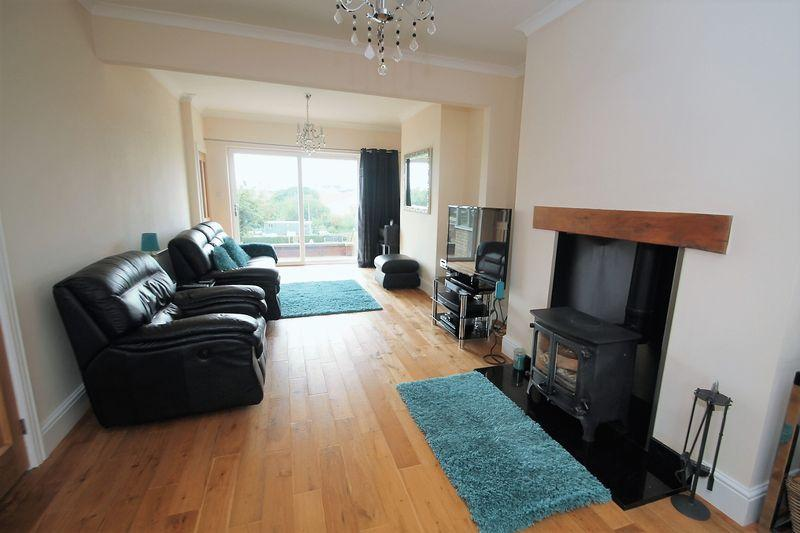 3 Bedrooms Terraced House for sale in South Avenue, Stillington
