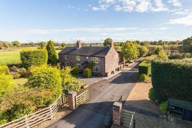 5 Bedrooms Farm House Character Property for sale in Large detached farmhouse with 1.87 acres - Manor Lane, Holmes Chapel