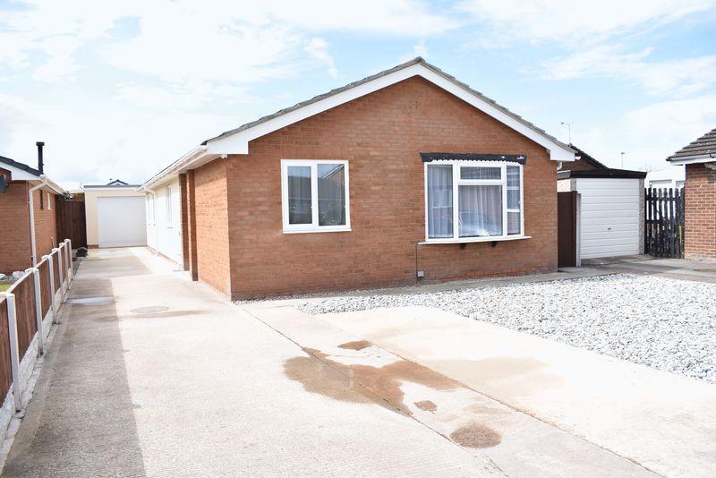 4 Bedrooms Detached Bungalow for sale in Oaklea, Kinmel Bay