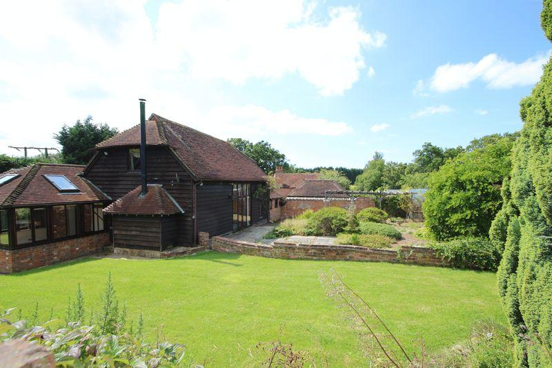 4 Bedrooms Detached House for sale in Guildford Road, Cranleigh