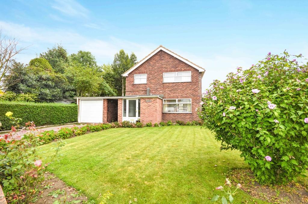 3 Bedrooms Detached House for sale in Brantham, Manningtree, CO11 1RH