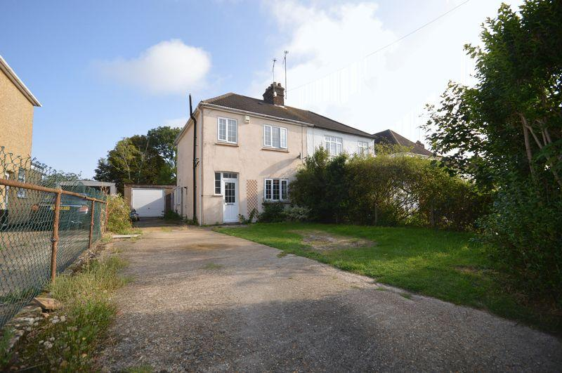 3 Bedrooms Semi Detached House for sale in Houghton Regis,
