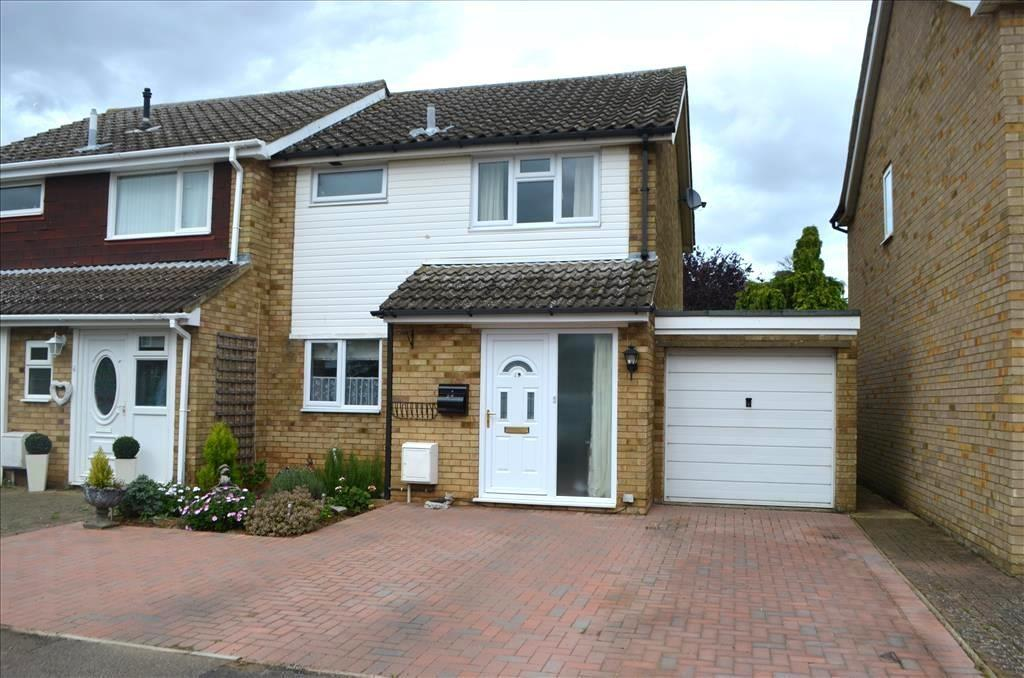 3 Bedrooms Semi Detached House for sale in The Lawns, Everton, Sandy, SG19