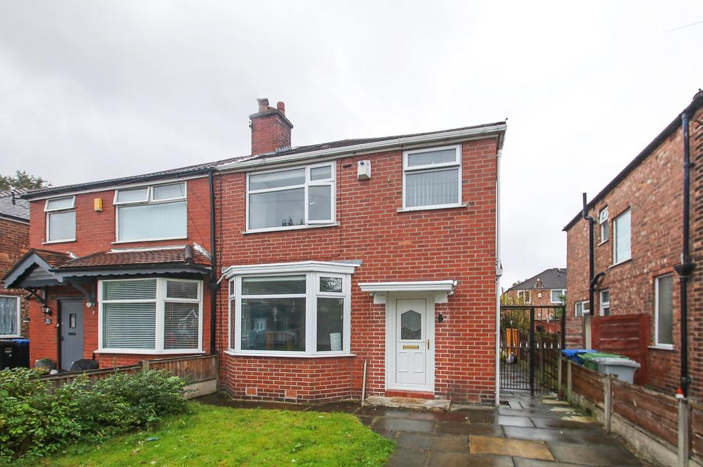 3 Bedrooms Semi Detached House for sale in Norley Avenue, Stretford, Manchester, M32