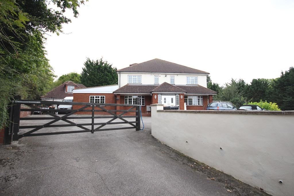 12 Bedrooms Detached House