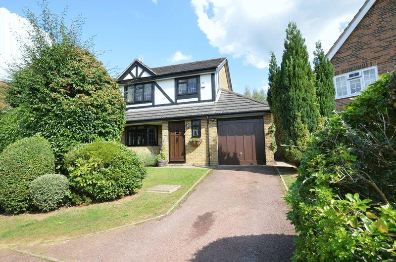 3 Bedrooms Detached House for sale in Pullman Lane, Godalming