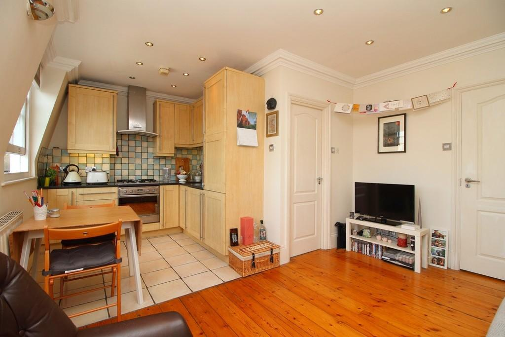 1 Bedroom Apartment Flat for sale in Tollington Way, N7 6RY