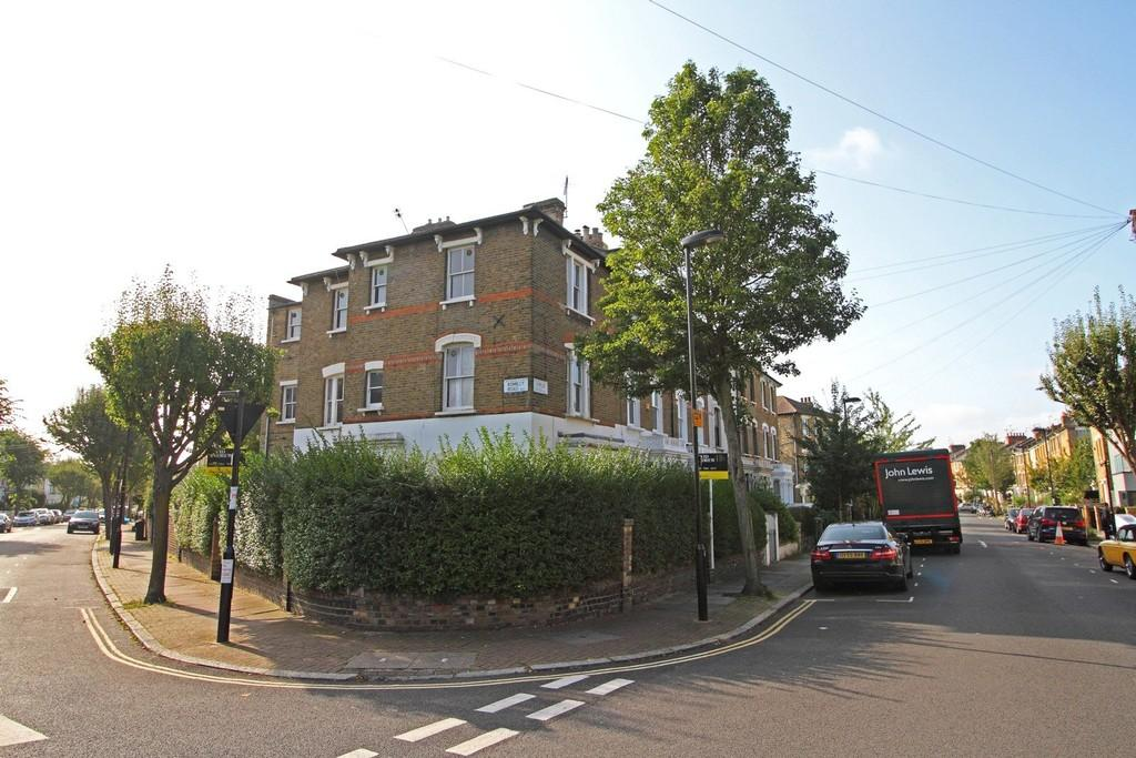 3 Bedrooms End Of Terrace House for sale in Romilly Road, N4 2QY
