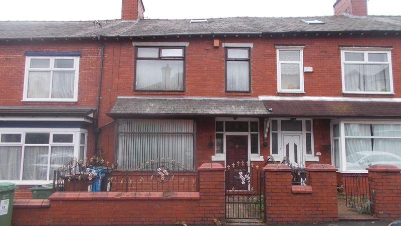 3 Bedrooms Terraced House for sale in Eton Avenue, Oldham
