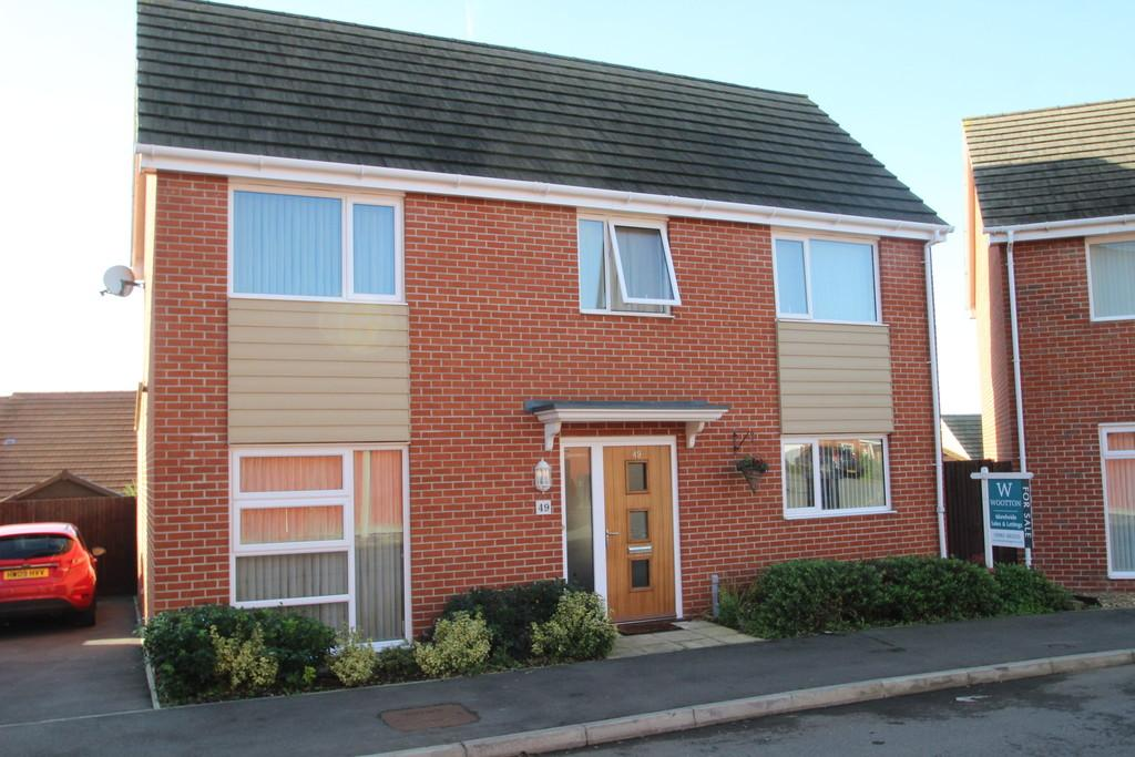 3 Bedrooms Detached House for sale in Beauchamp Drive, Newport