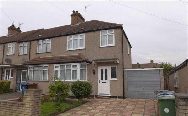 3 Bedrooms Semi Detached House for sale in Carmelite Road, Harrow, HA3
