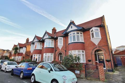4 bedroom semi-detached house to rent - *FAMILY HOME* Villiers Road, Southsea