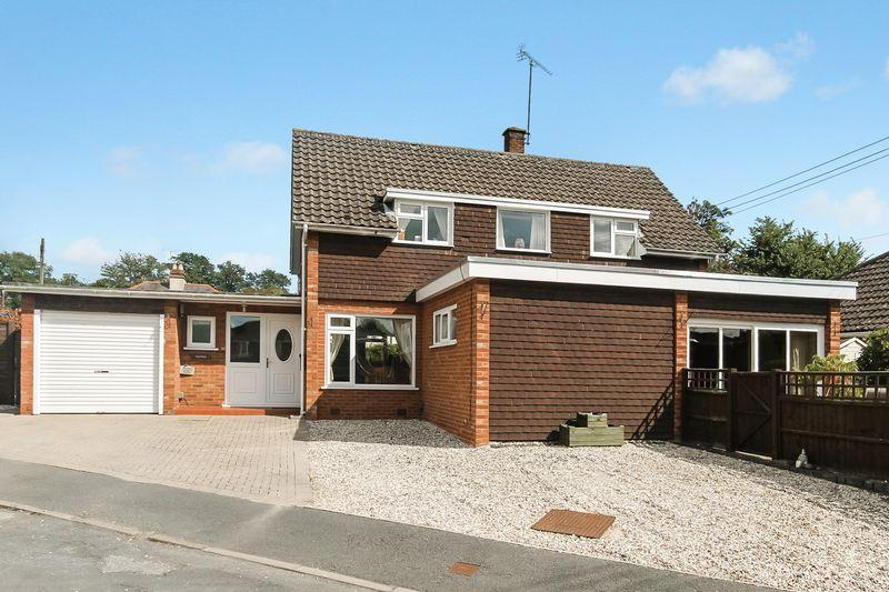 3 Bedrooms Detached House for sale in Belle Bank Avenue, Hereford