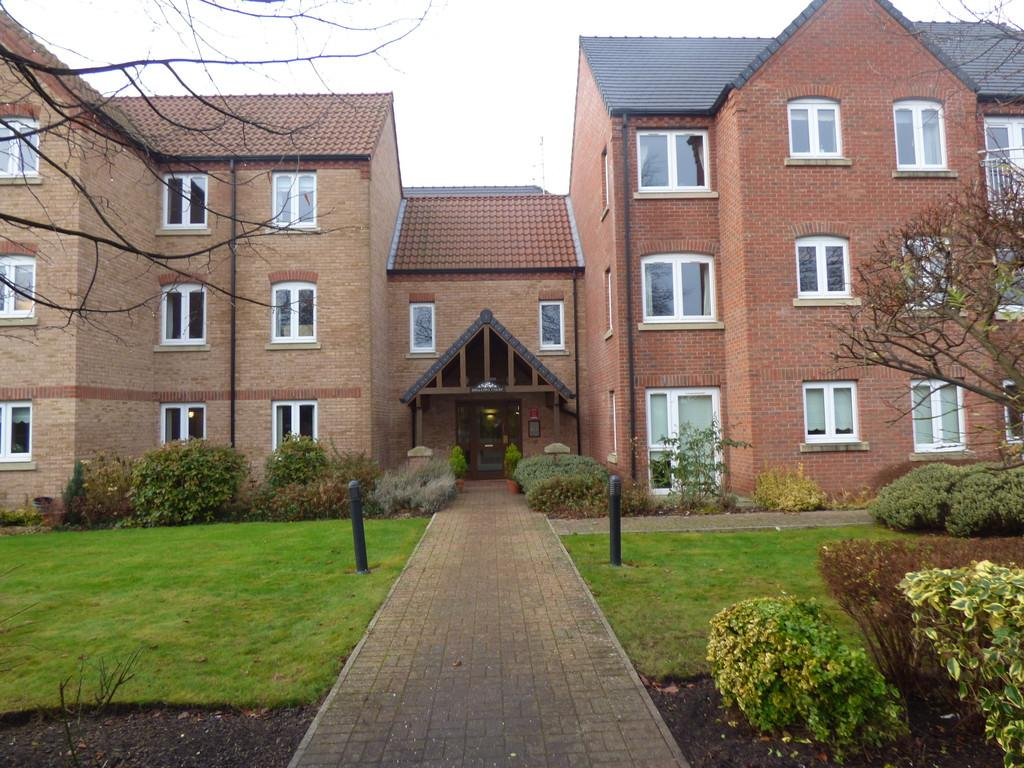 2 Bedrooms Apartment Flat for sale in Swallows Court, Spalding