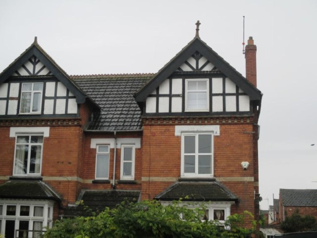 1 Bedroom House Share for rent in 112 London Road