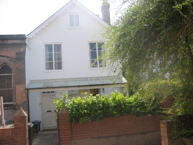 2 Bedrooms Ground Maisonette Flat for rent in Topsham - Beautifully appointed ground floor maisonette - fully furnished