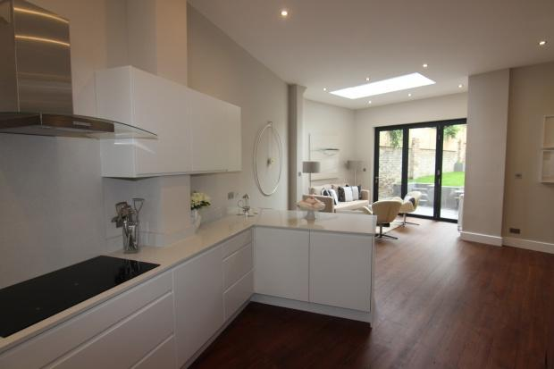5 Bedrooms Terraced House for sale in Tremlett Grove London, Archway, N19