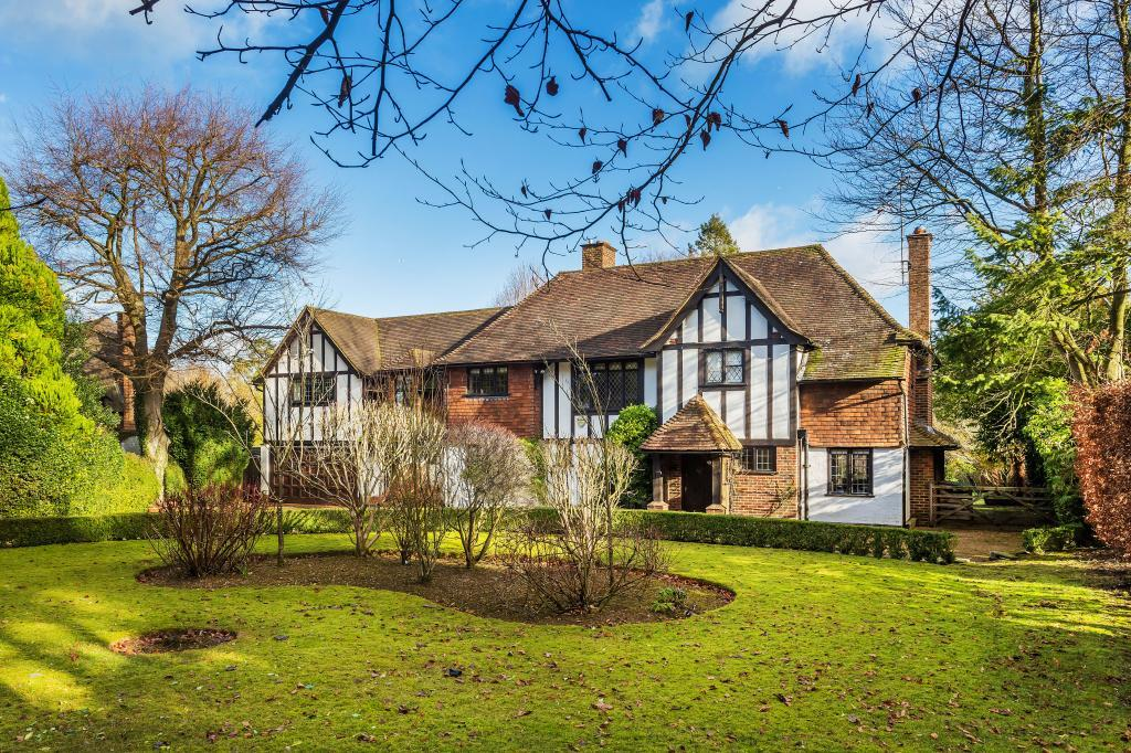 6 Bedrooms Detached House for sale in East Horsley