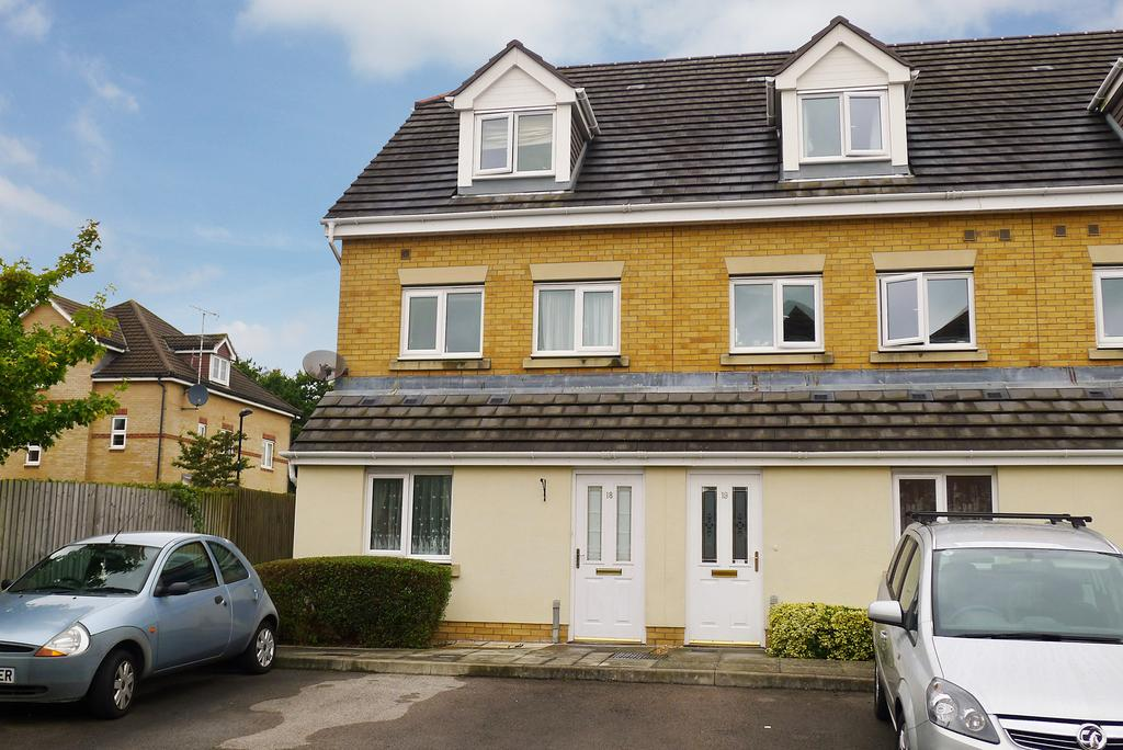 2 Bedrooms Flat for sale in TITCHFIELD PARK