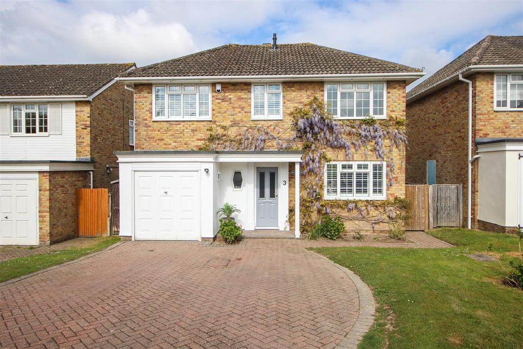 4 Bedrooms Detached House for sale in Coombers Lane, Lindfield