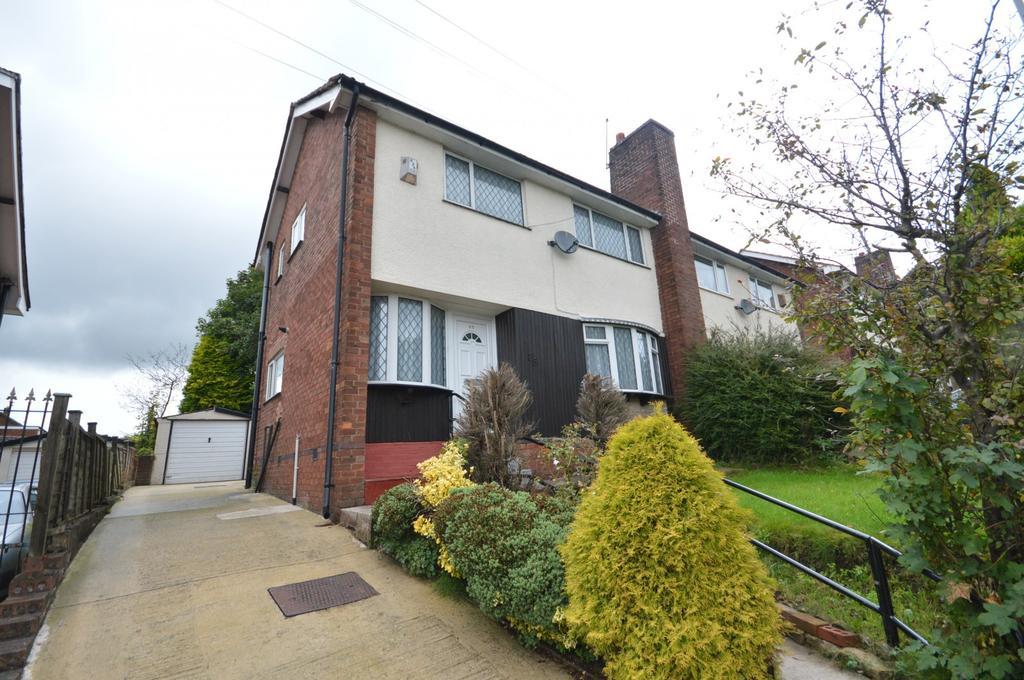 3 Bedrooms Semi Detached House for sale in Osborne Street, Bredbury, Stockport