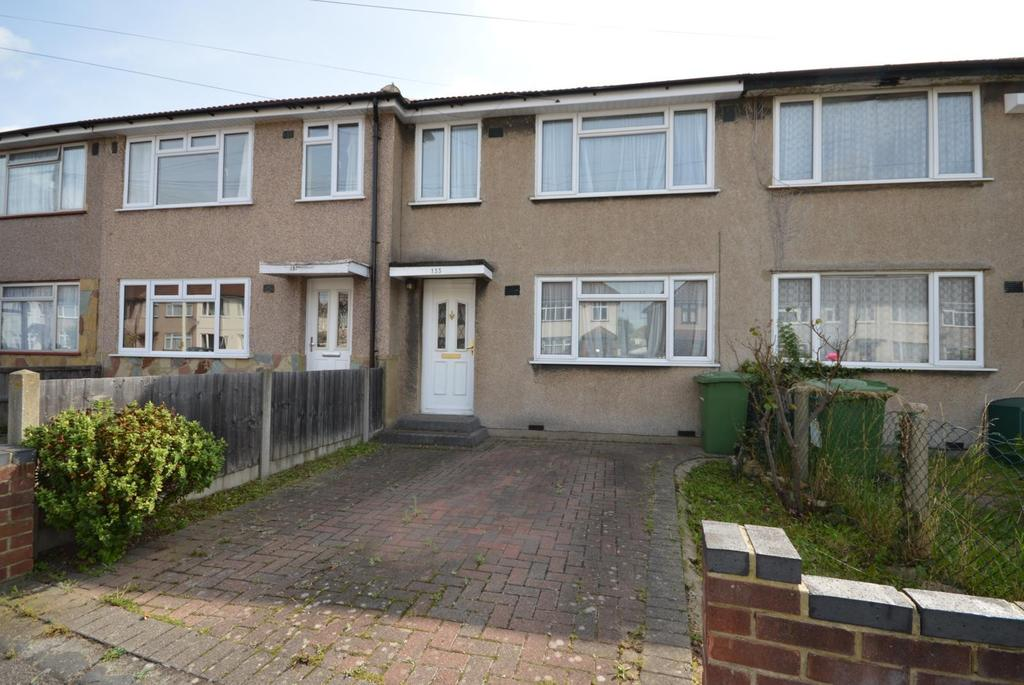 3 Bedrooms Terraced House for sale in Rosebank Avenue, Hornchurch, Essex, RM12