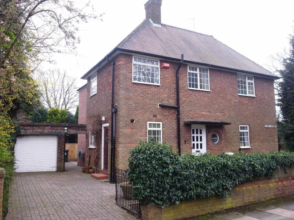 4 Bedrooms Detached House for sale in Carmel Gardens, Darlington