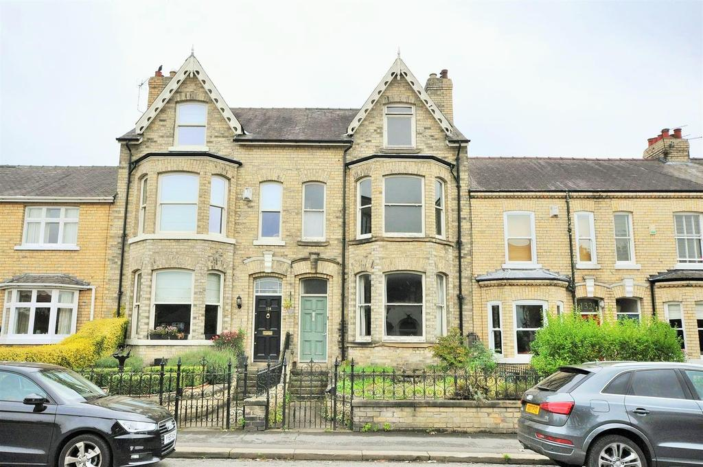 3 Bedrooms Terraced House for sale in Bishopthorpe Road, York