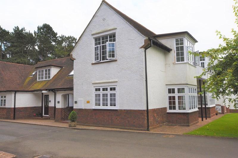2 Bedrooms Apartment Flat for sale in Farley Lane, Romsley, Halesowen