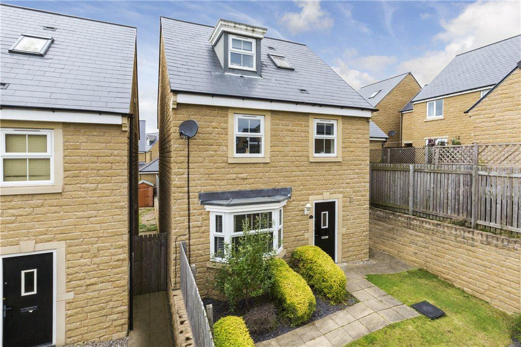 4 Bedrooms Detached House for sale in Honey Pot Fold, Baildon, West Yorkshire