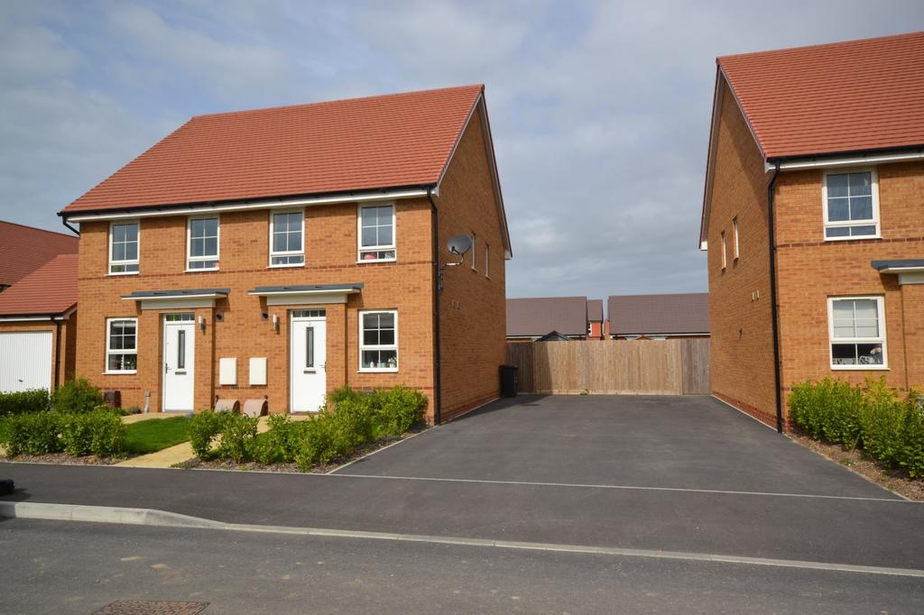 2 Bedrooms Semi Detached House for sale in Solar Drive, Selsey, PO20