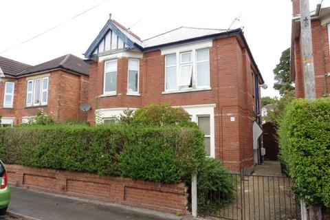 2 bedroom flat for sale - Chatsworth Road, Charminster, Bournemouth