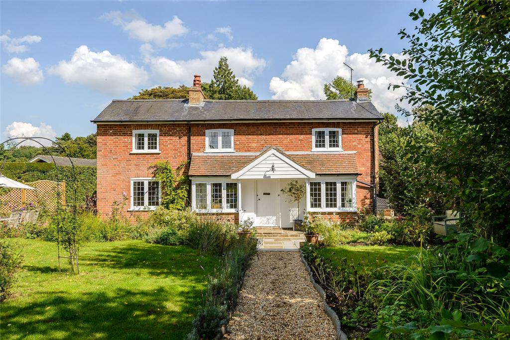 4 Bedrooms Detached House for sale in Tannery Lane, Gosden Common, Guildford, Surrey