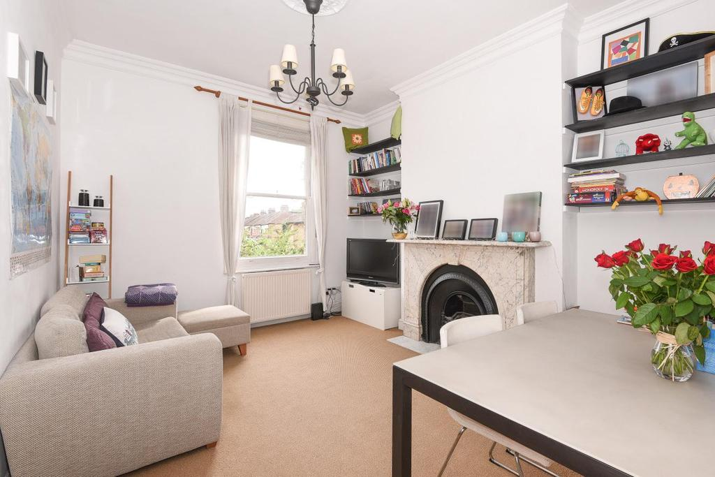 2 Bedrooms Flat for sale in Middle Lane, Crouch End