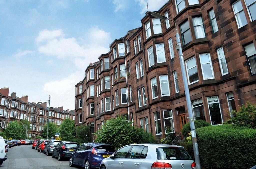 2 Bedrooms Flat for sale in Novar Drive, Flat 3/1, Hyndland, Glasgow, G12 9TA