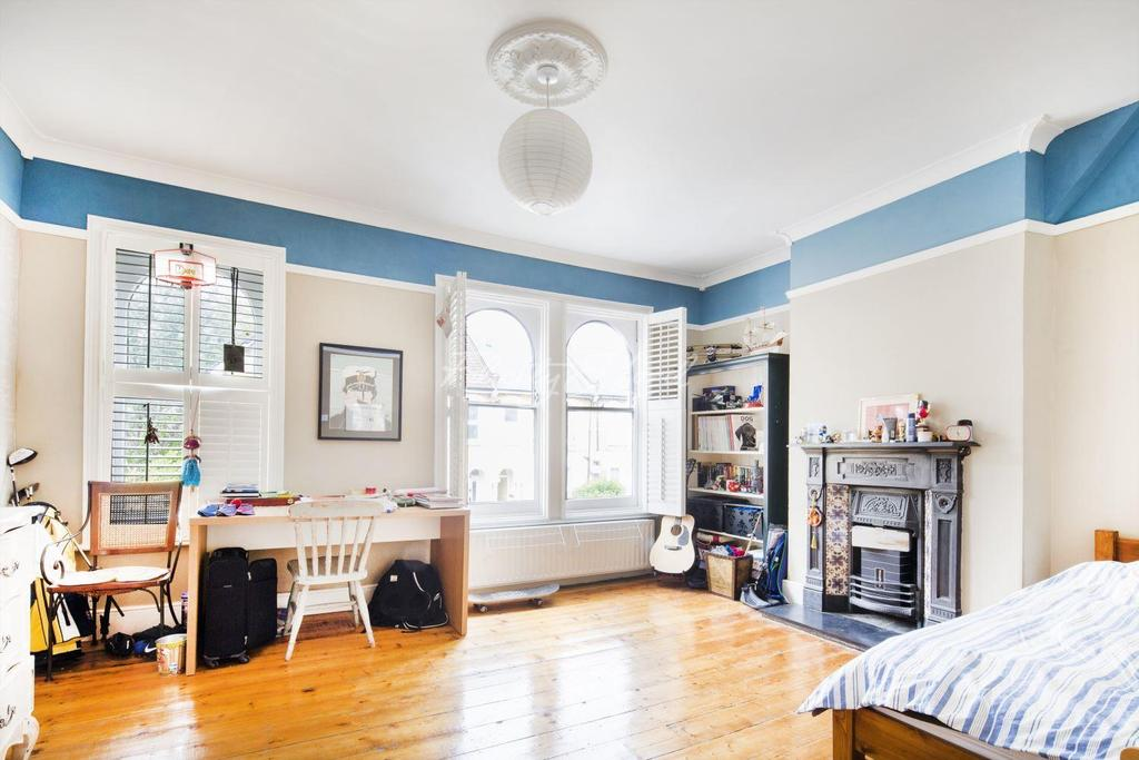 4 Bedrooms End Of Terrace House for sale in Sunninghill Road, London, SE13 7SS