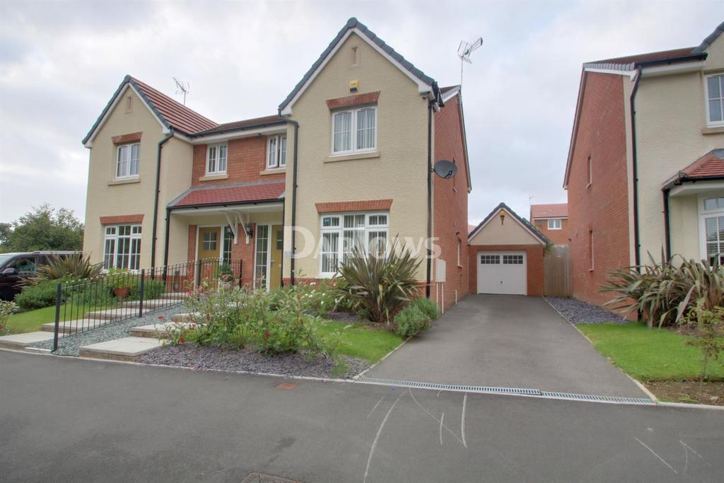 3 Bedrooms Semi Detached House for sale in Brynteg Green, Beddau