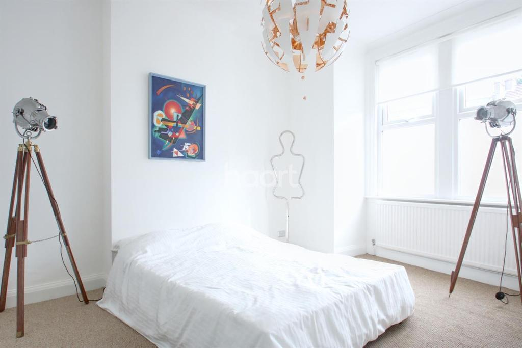 2 Bedrooms Flat for sale in Durban Road, West Norwood, SE27