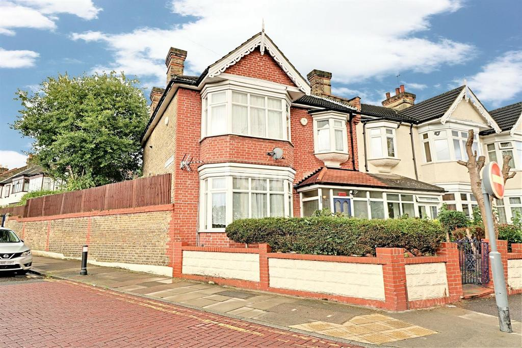 4 Bedrooms End Of Terrace House for sale in Wanstead Park Road, Ilford, Essex