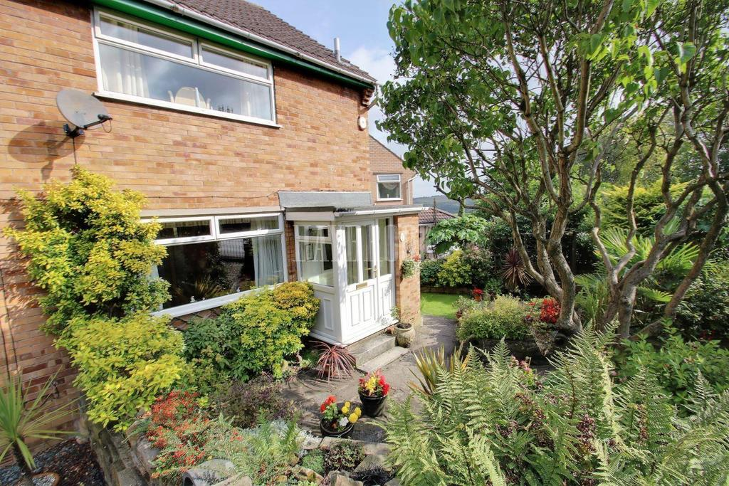 3 Bedrooms Semi Detached House for sale in Woodview Road, Walkley, S6 5AB