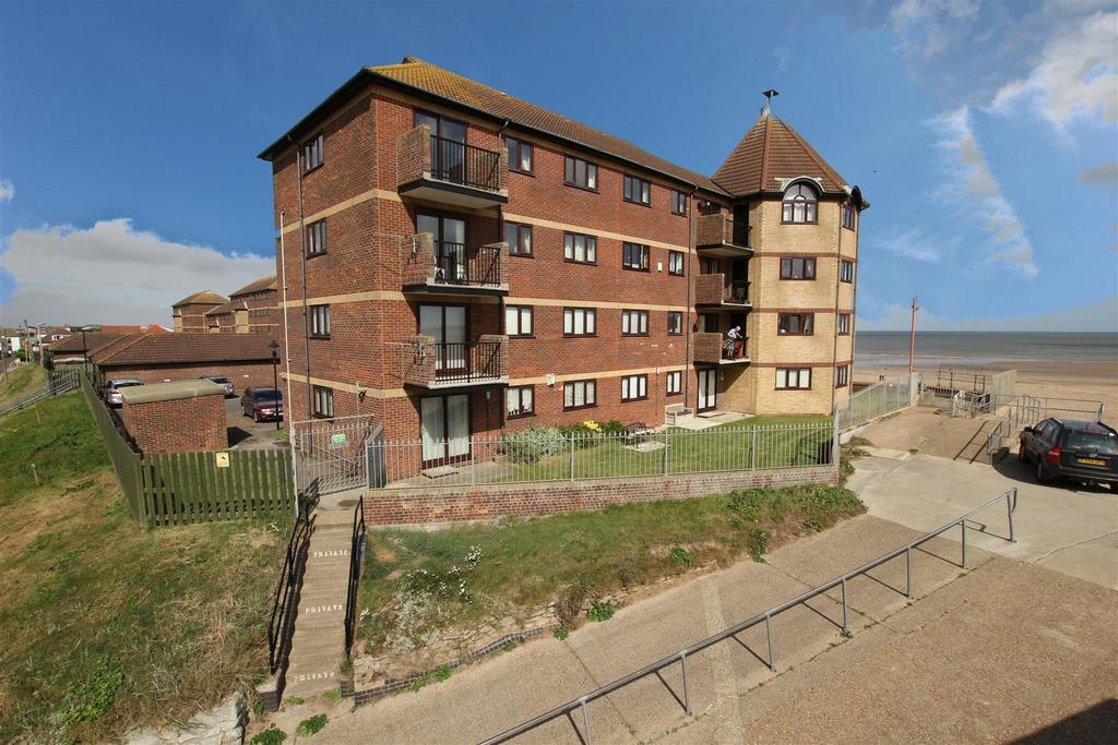 3 Bedrooms Flat for sale in 78 Queens Park Close, Mablethorpe