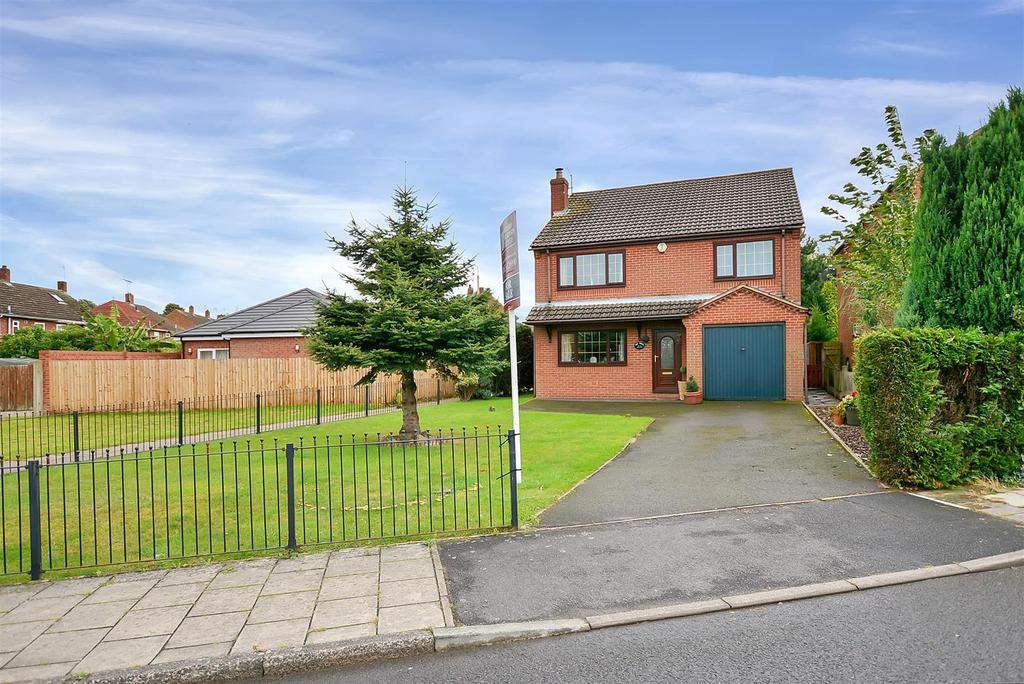 4 Bedrooms Detached House for sale in The Oaks, Cottage Lane, Warsop