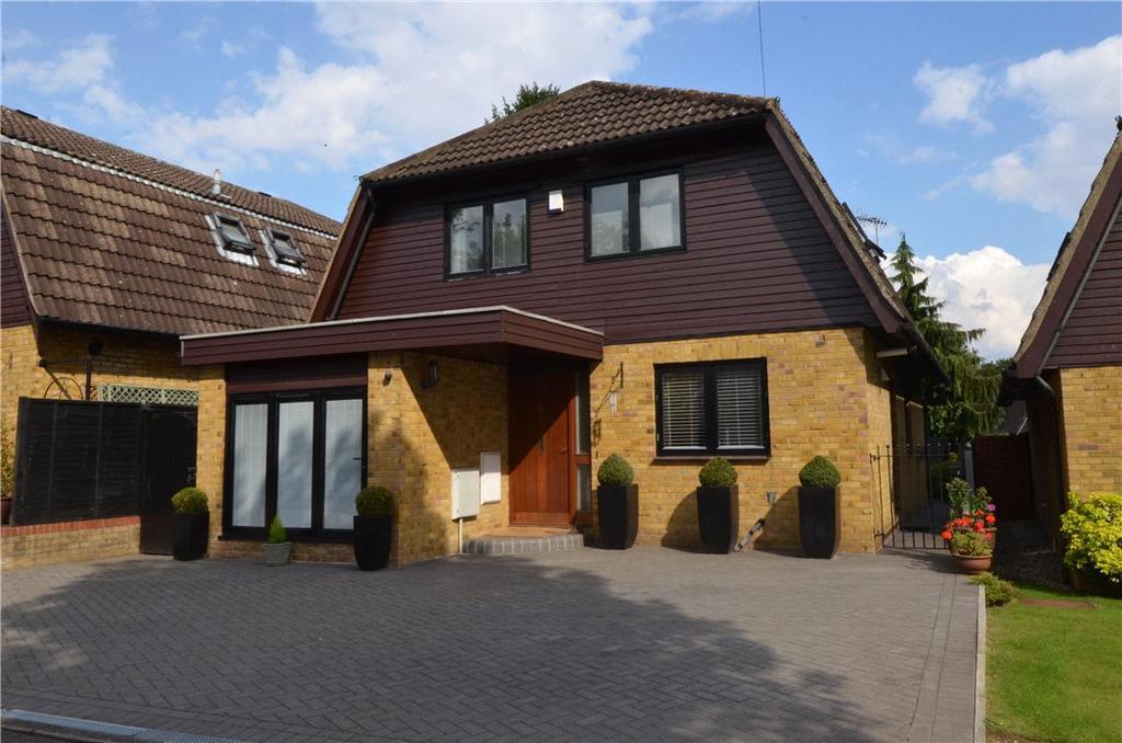 4 Bedrooms Detached House for sale in Robert Wallace Close, Bishop's Stortford, Hertfordshire, CM23